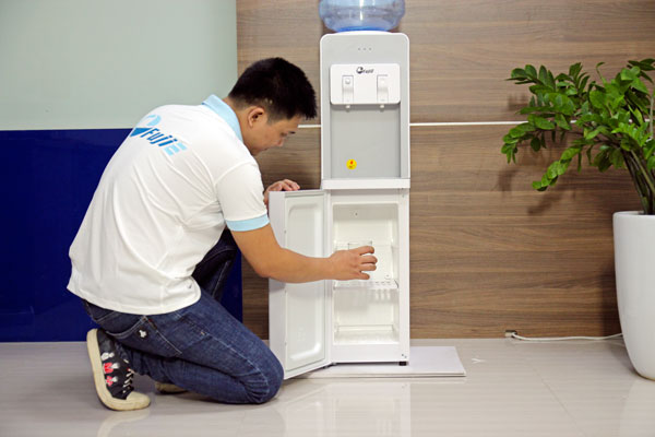 cay-nuoc-nong-lanh-fujie-wd1850e-2.jpg