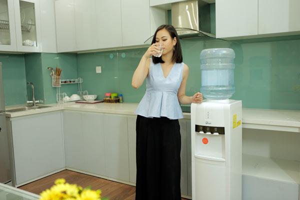 cay-nuoc-nong-lanh-fujie-wd1800e-5.jpg